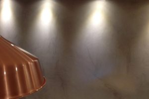 Taş duvar ve beton rengi sıva