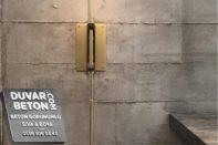 Derzli beton görünümlü duvar